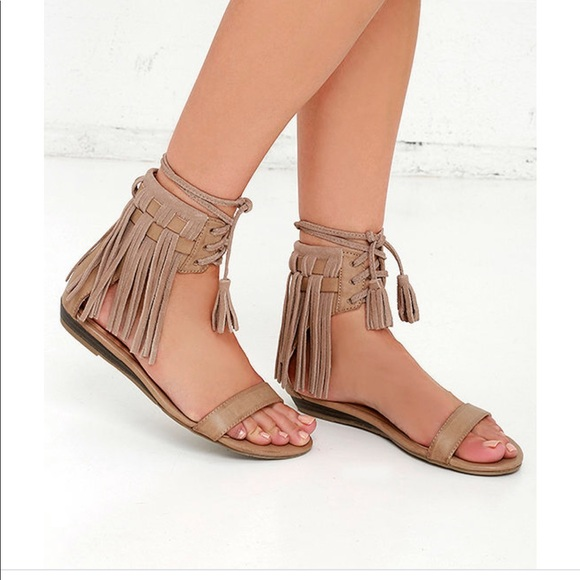 9a2da648fa30aa Very volatile fringe sandals new size 8